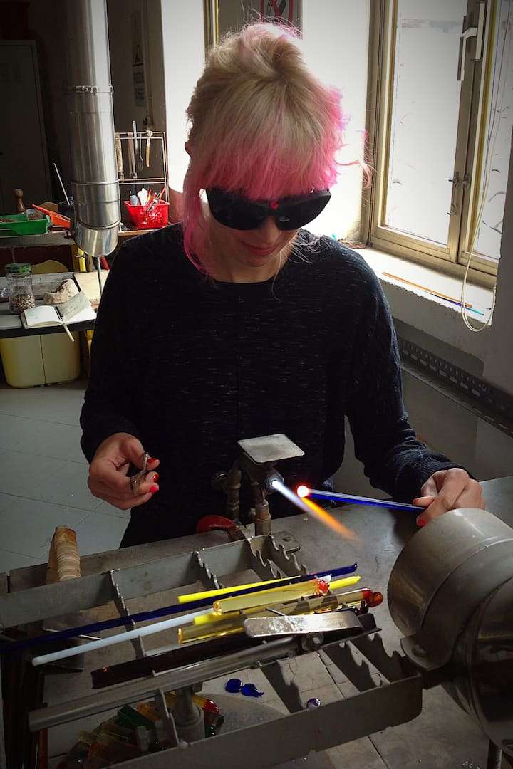 Elisa at work in Murano Studio