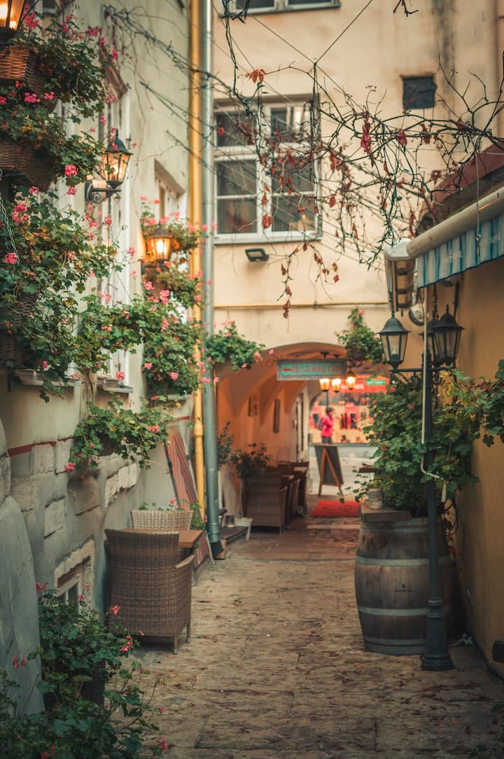 Secret pathways in the Old Town