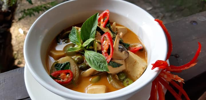 Learn how to cook the most popular thai food