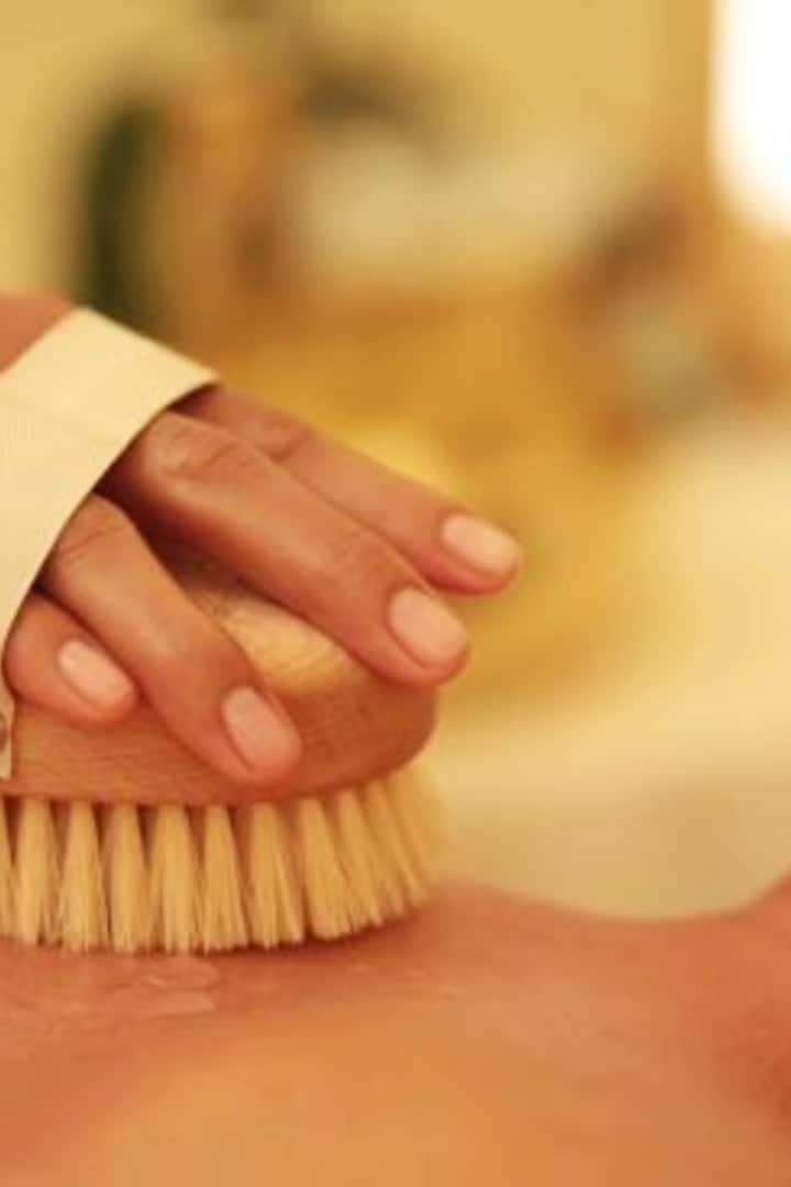 Body Brushing soothes and invigorates