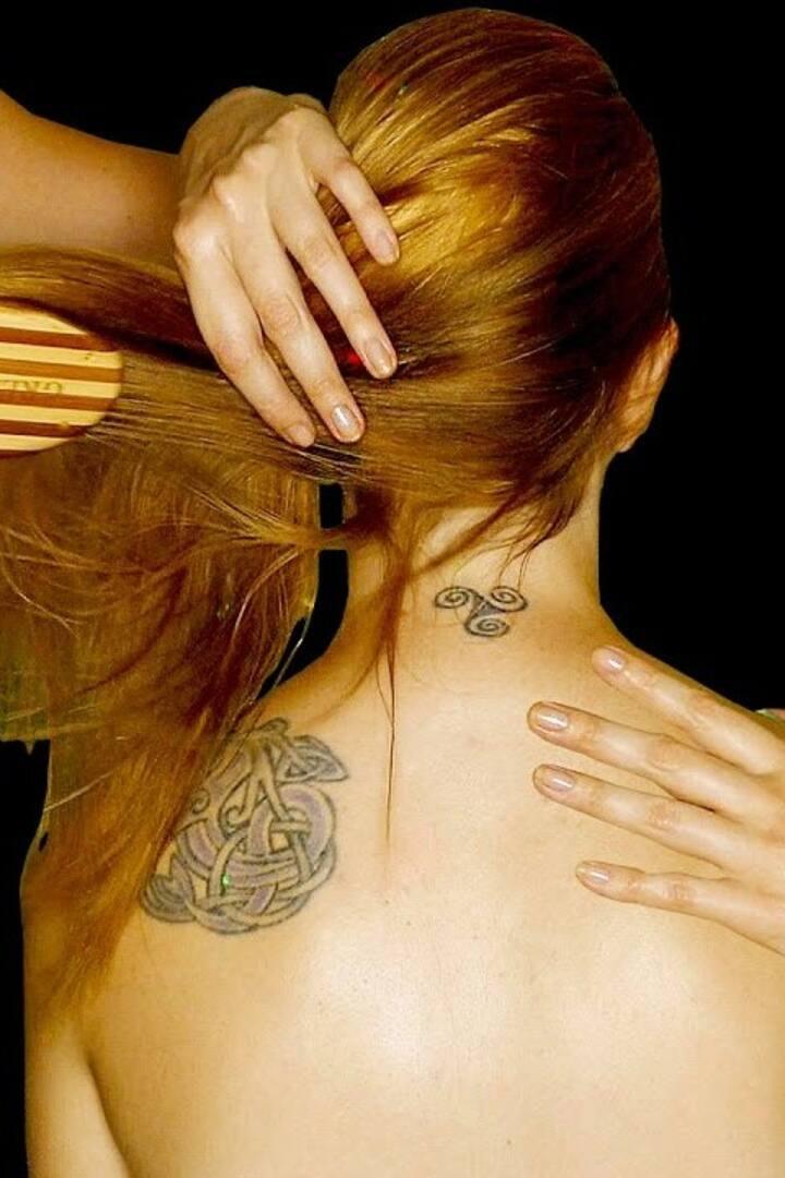 Relaxing Hair & Scalp manipulation