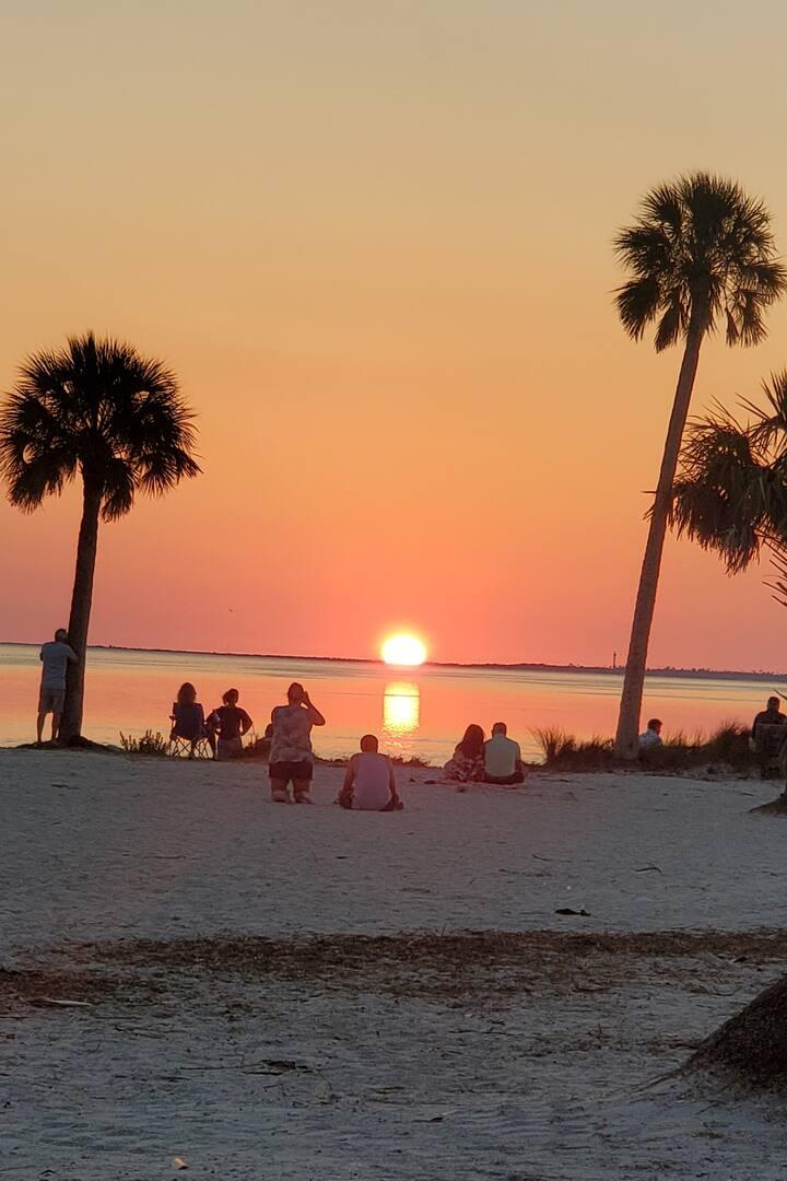 Sunset  Beach Tarpon Springs