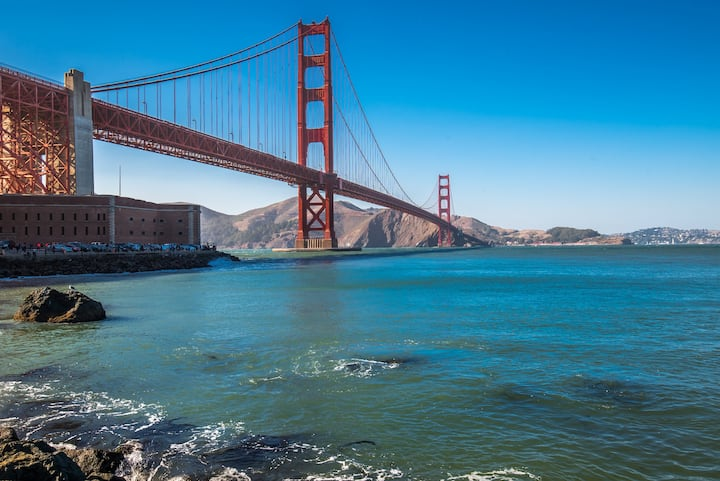 Grab a perfect photo of the Golden Gate