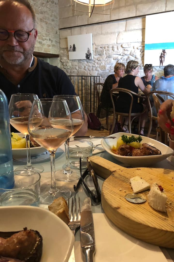 Déjeuner dans un restaurant provençal !