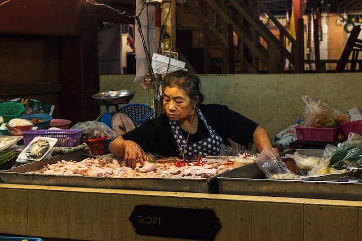 Visit the oldest food market in Bangkok