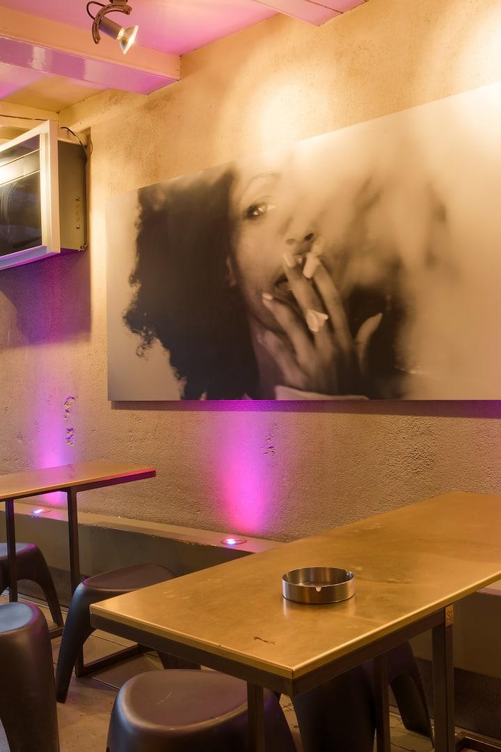 Visit Amsterdam's best coffeeshop!