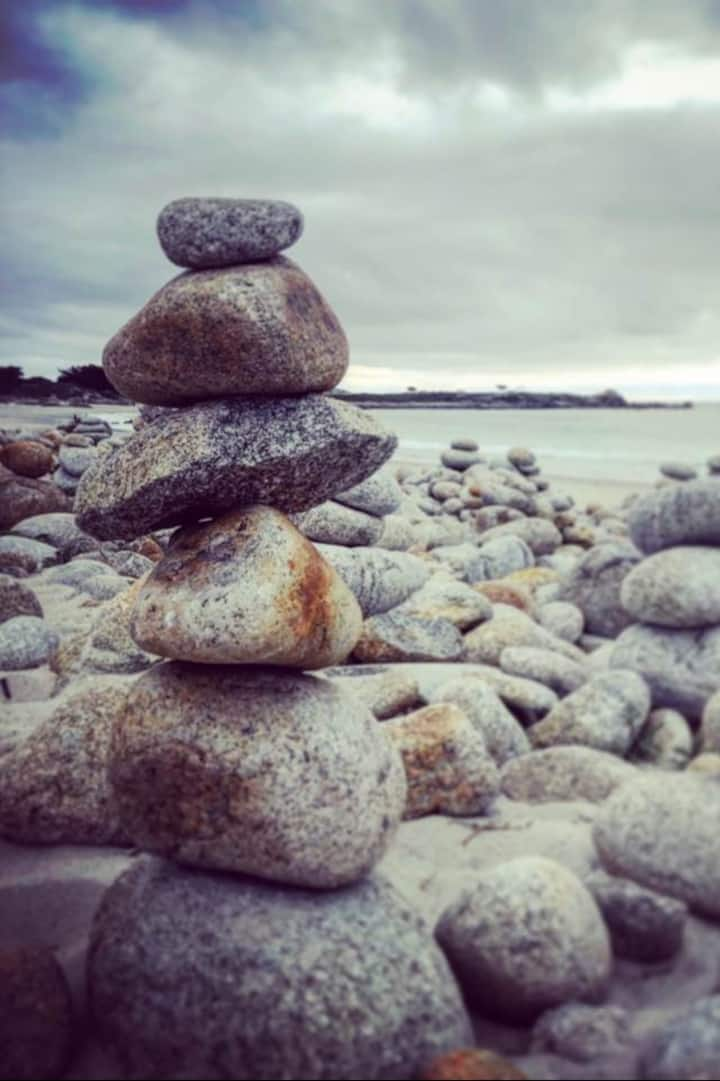 Build your own stone tower & make a wish