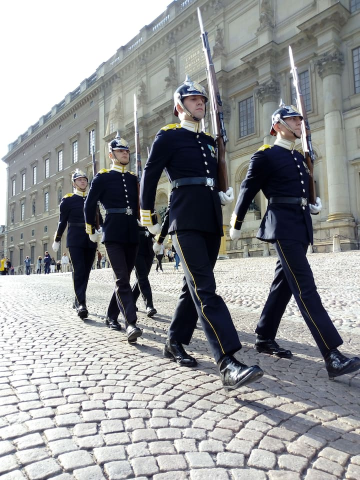 see the Royal Guards of today