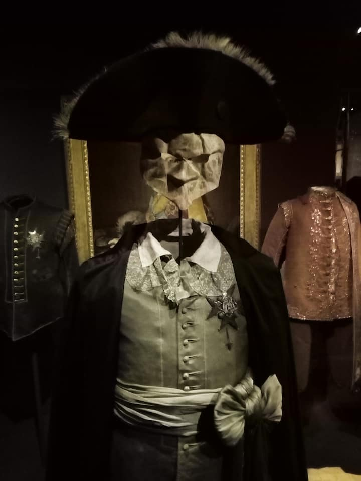 The outfit worn by an assasinated King