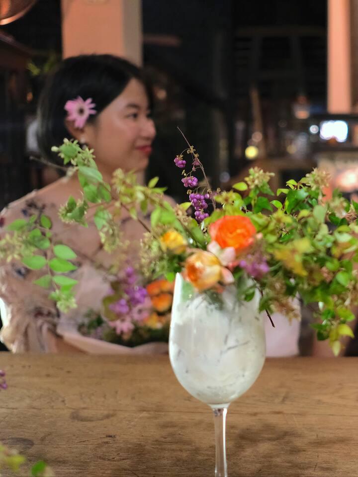 杯子里的插花