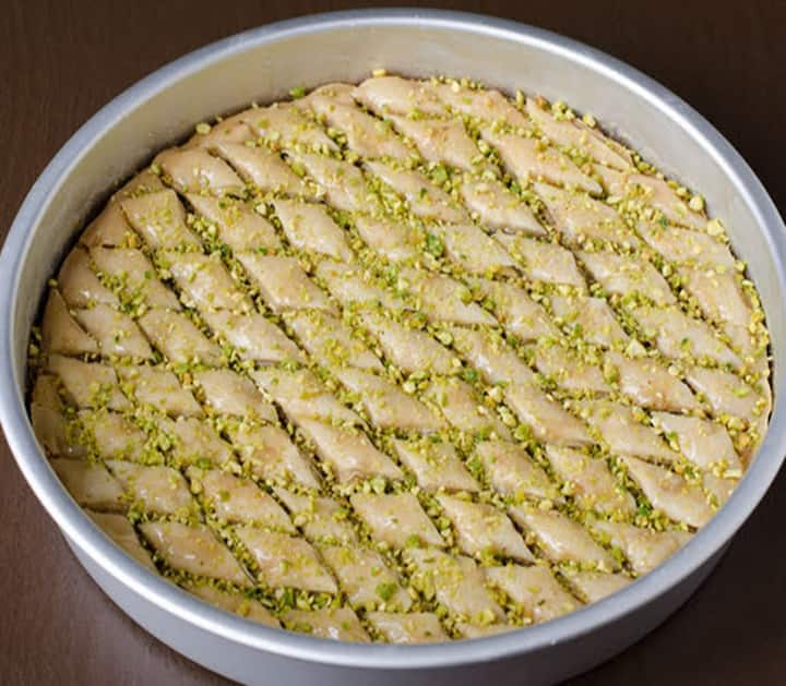 Making BAKLAVA is my Way 2 Show LOVE