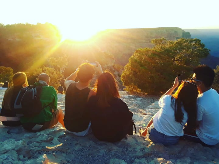 Gorgeous sunset views at Grand Canyon!!