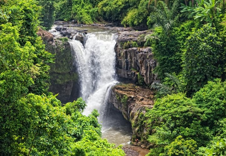 Tegenungan exotic waterfall