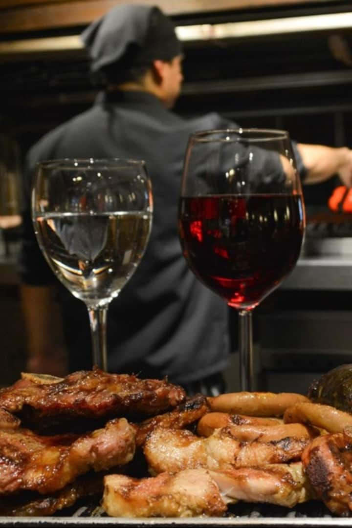 Asado y vino Barbecue and wine