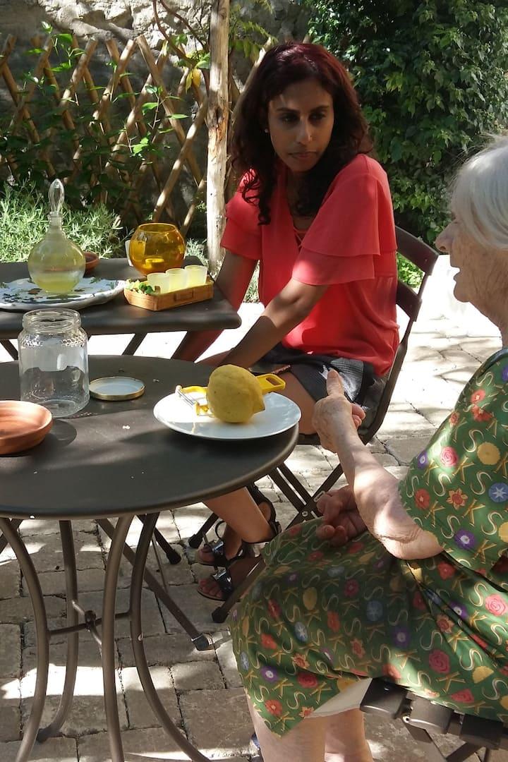 Taglio delle bucce di Limoni