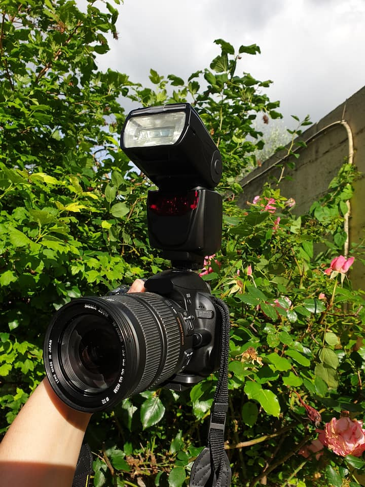 Here is the camera I use NIKON D3100