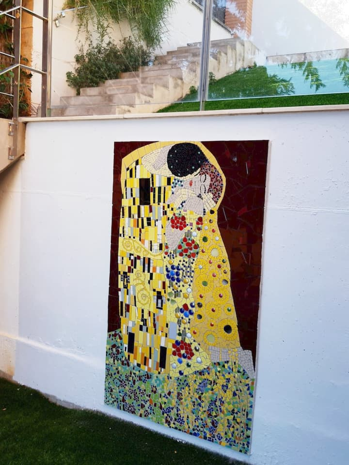"I did in mosaic  trencadís Klimts ""Kiss"""