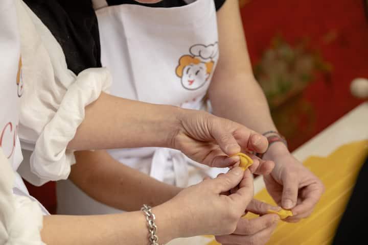 Teaching how to make Tortellini