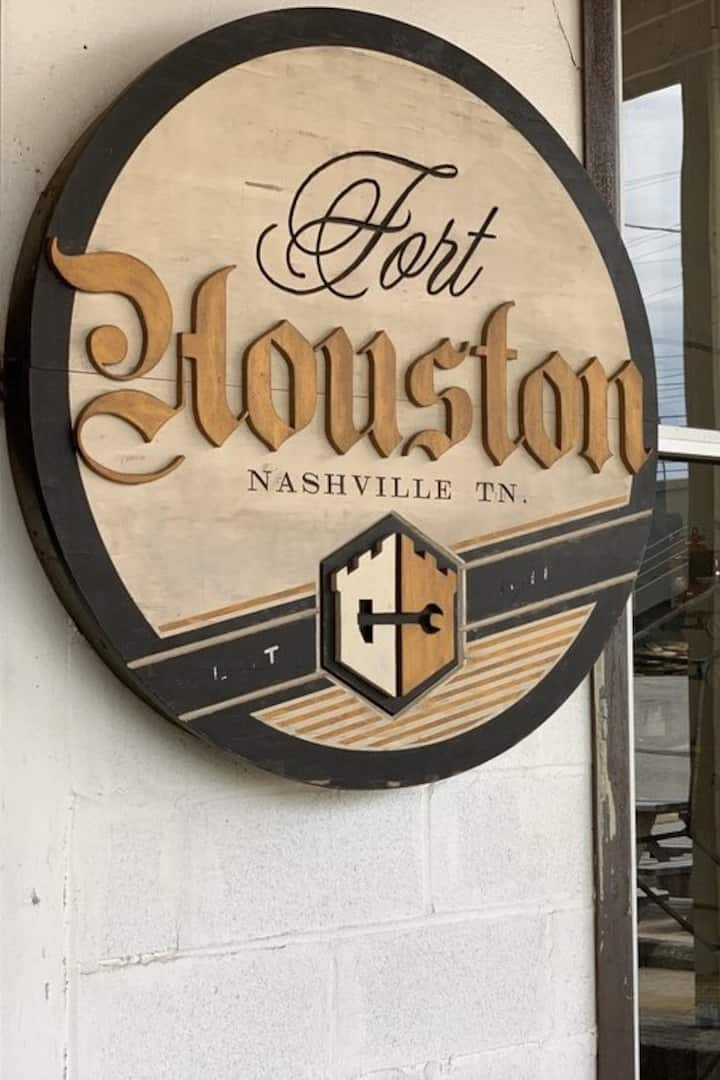 The Sign at Fort Houston