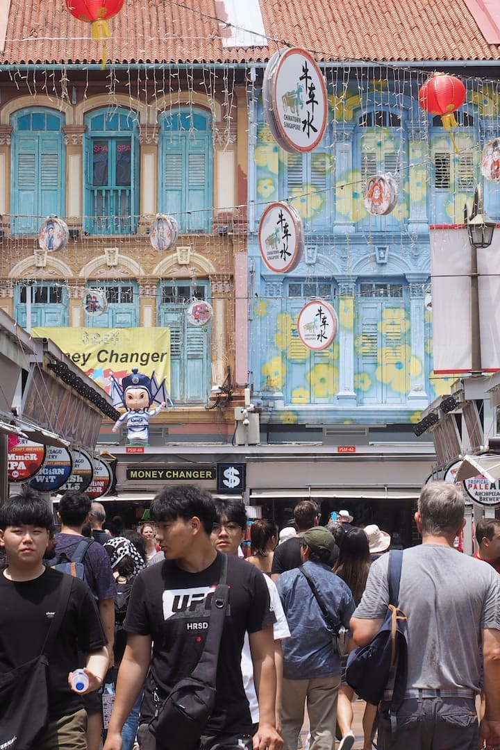 busy street, Chinatown