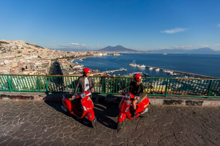 Vespa Panoramic Tour of Naples