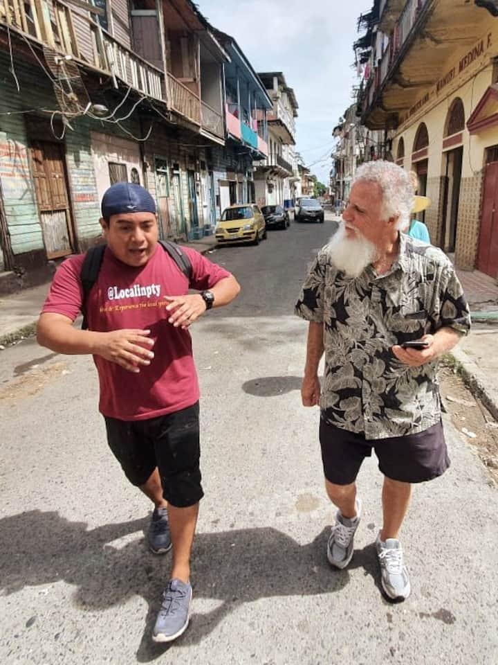 Explaining the history of El Chorrillo