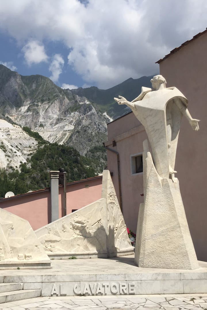The sculptures of Carrara
