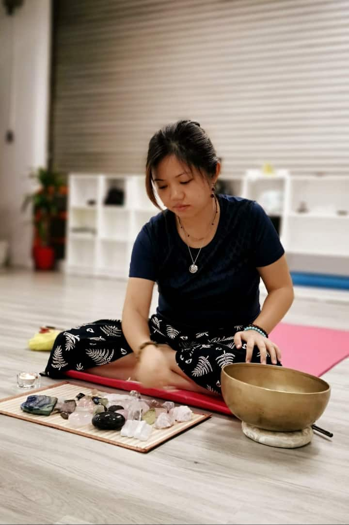 Hwee, the reiki healer