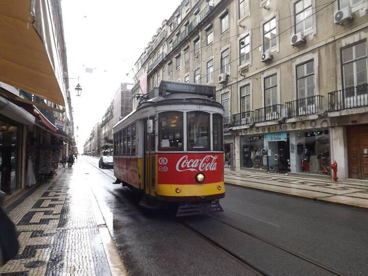 Tram elettrico 28