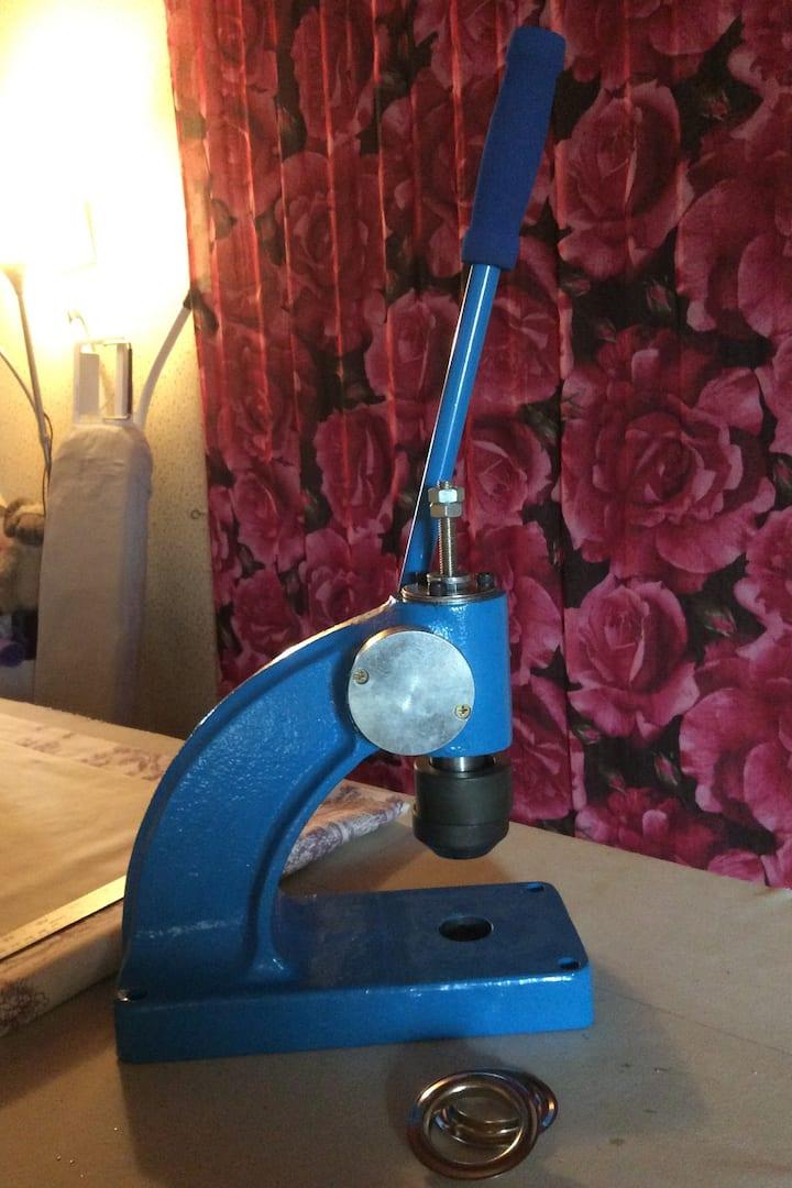 Curtain Eyelet Machine
