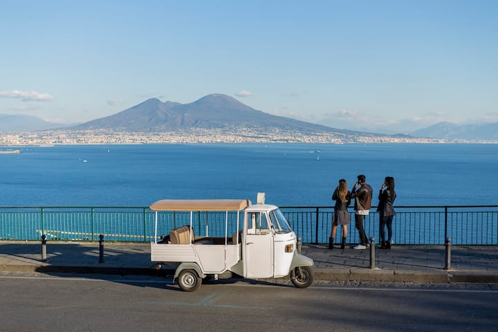 Audioguided Tour of Naples by Ape