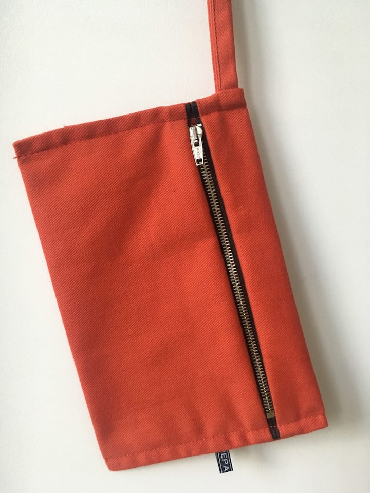 a zippered pouch for decorating