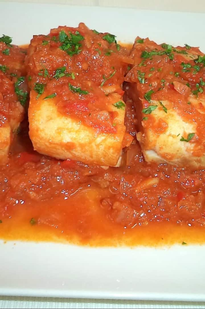 Cod with tomato
