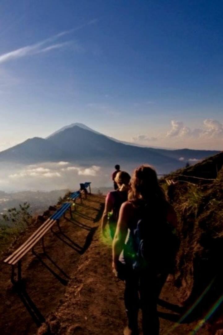 Walking to Mt. Batur