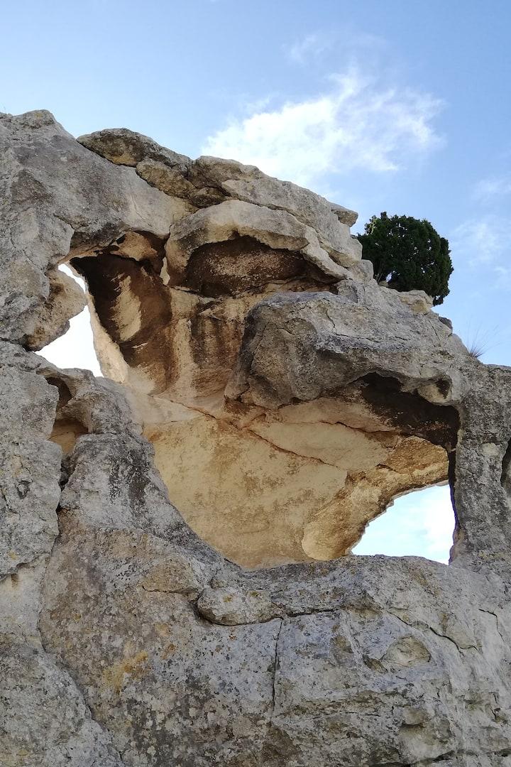 Rocher Val d'Enfer, les Baux de Provence