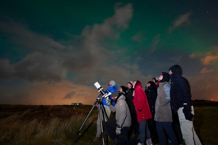 Setting up the telescope for the group