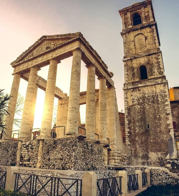 Visit the Ercole's Temple in Cori