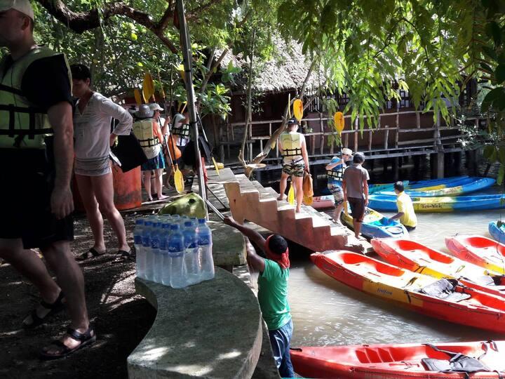 Kayak pier