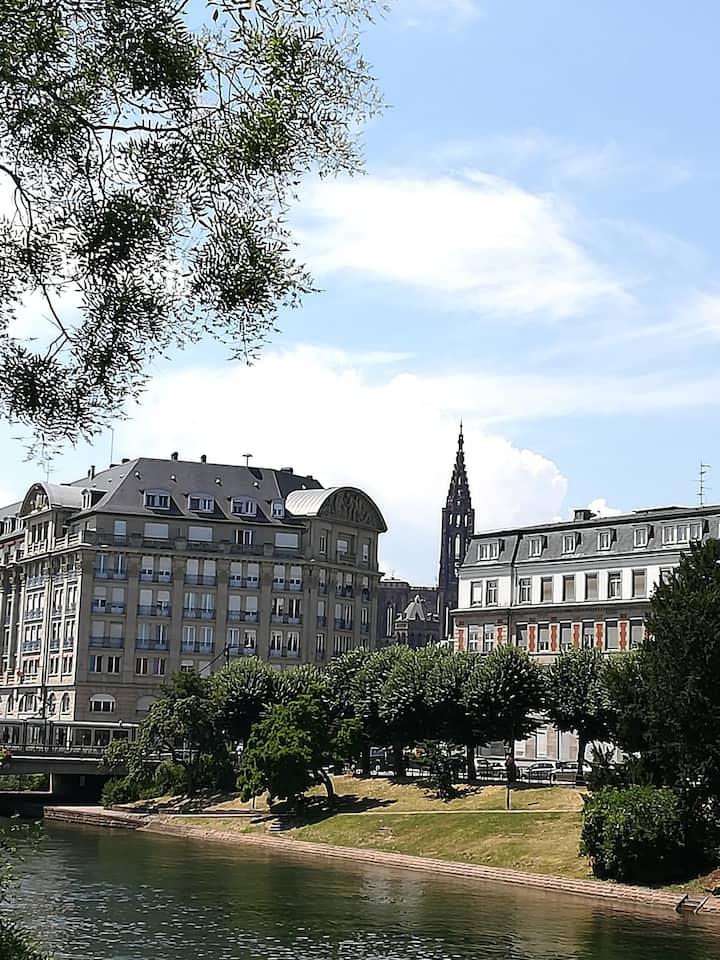 la Cathédrale depuis la Neustadt