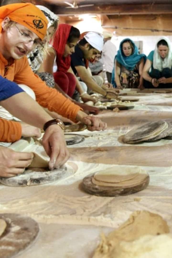 "Volunteer and learn ""Art of gratitude"""