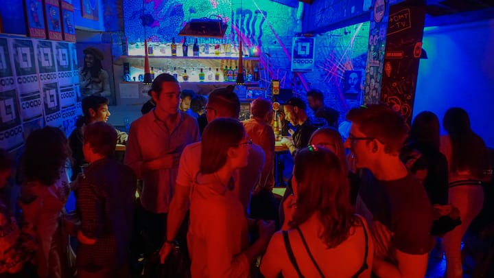 Let´s visit two great nightclubs!