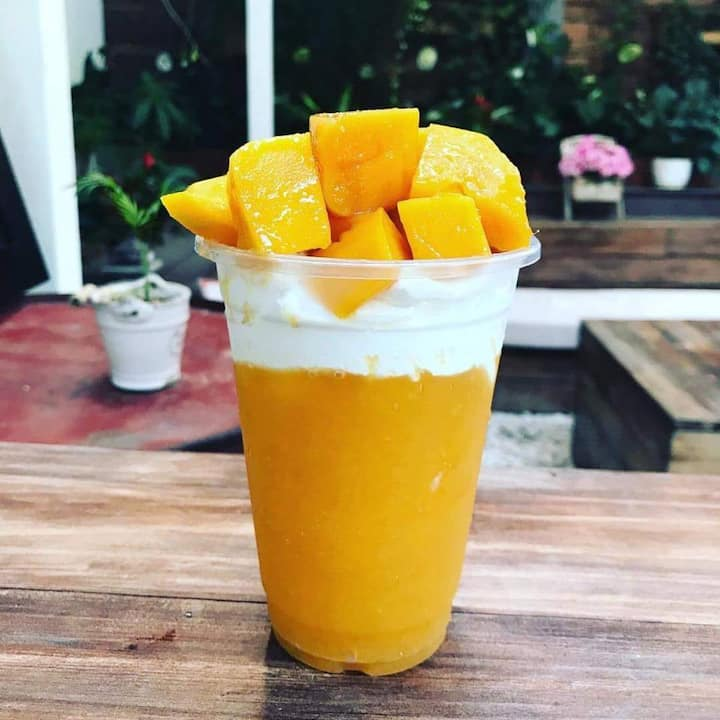 Free mango juice for guest