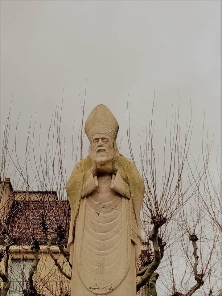Statue de Saint-Denis