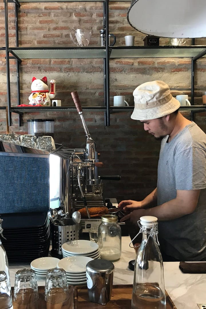 See how the barista works
