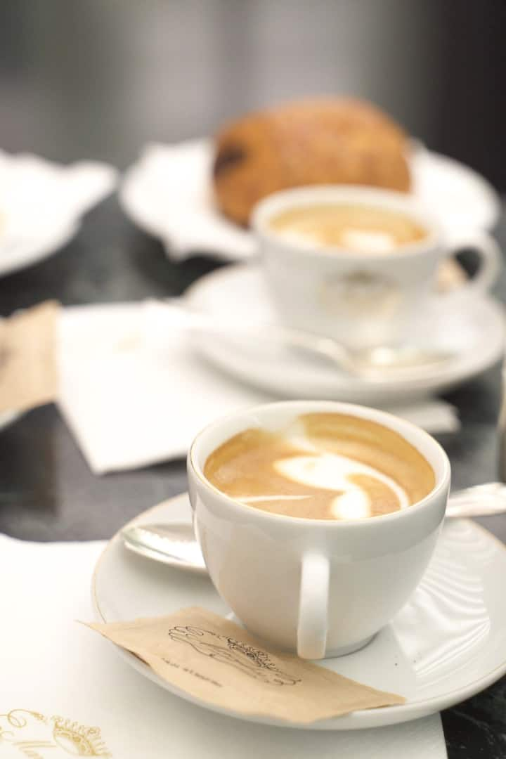 Let's enjoy a nice caffè together