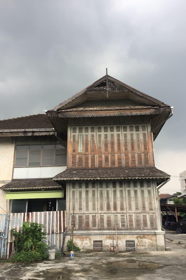 Hidden old elite house