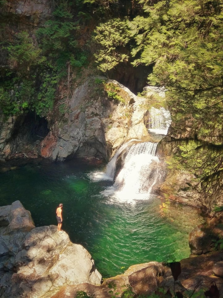 Twin Falls Lookout