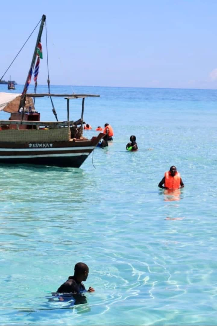Snorkel At Kisite Marine Park