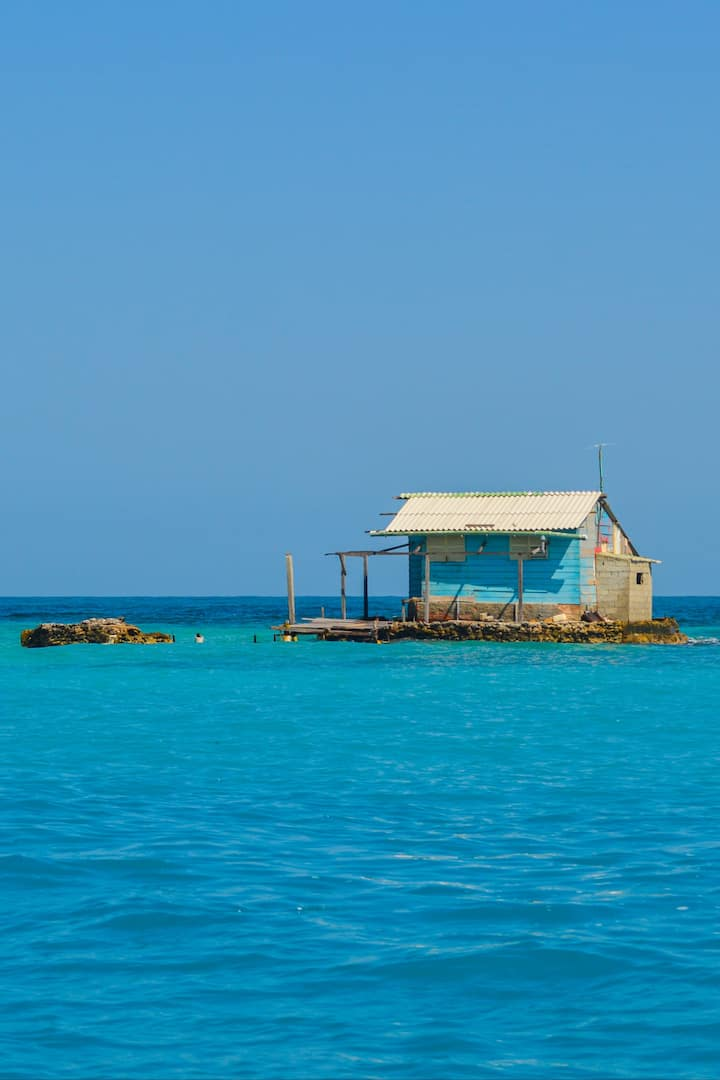 Small house in Rosario Islands