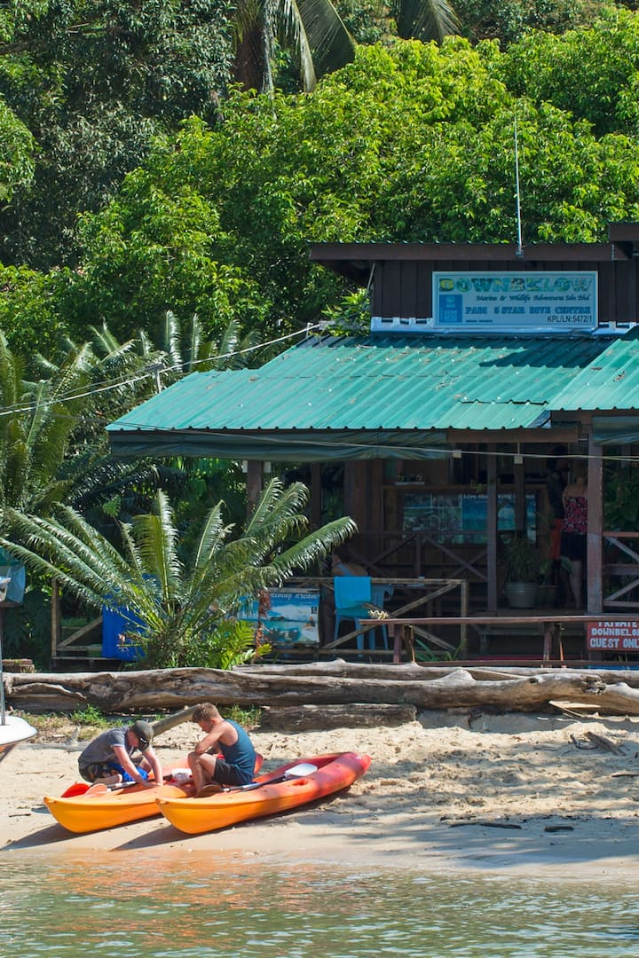 Island Based PADI 5 Star IDC Centre